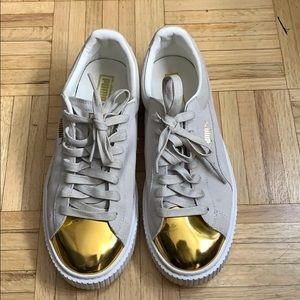 Gold toe Pumas